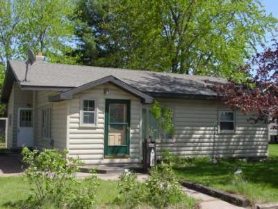 Photo of 408 Oak St, Woodruff, WI 54568