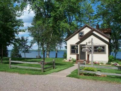 Photo of 7632 Sunrise Dr, Presque Isle, WI 54557