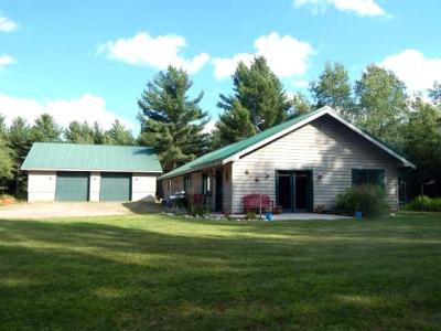Photo of 3495 Deer Trail Ln, Eagle River, WI 54521