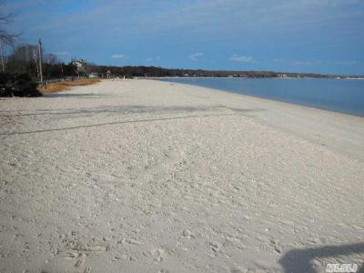 Photo of 18 Peconic Bay Blvd, Jamesport, NY 11947