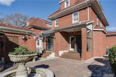 69-50 Exeter St, Forest Hills, NY 11375