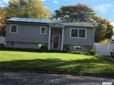 3119 Connecticut Ave, Medford, NY 11763