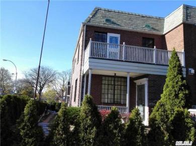 100-01 75 Ave, Forest Hills, NY 11375