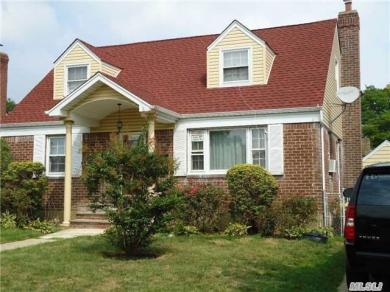 78-43 267 St, Floral Park, NY 11004