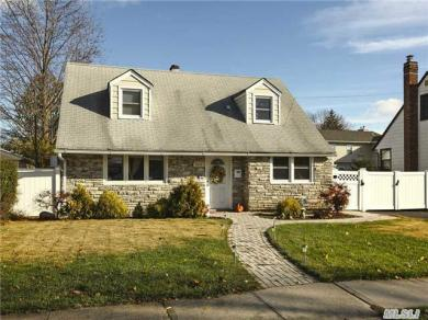 2353 6th St, East Meadow, NY 11554