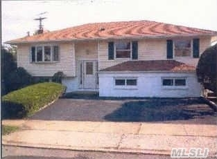 2836 Maple Ave, N Bellmore, NY 11710