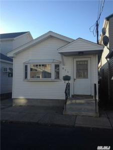 811 Church Rd, Broad Channel, NY 11693