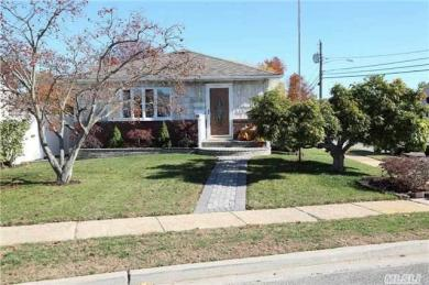 1339 Little Neck Ave, N Bellmore, NY 11710