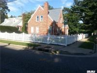 3 Webster Ave, Uniondale, NY 11553