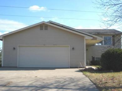 13253 N 94th Avenue, Maple Grove, MN 55369