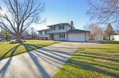 11261 N 65th Place, Maple Grove, MN 55369
