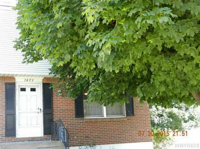 1411 Independence Dr, Evans, NY 14047