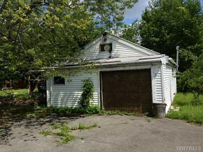 Photo of 305 Hyland Ave, Cheektowaga, NY 14043