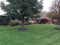 9230 Valley Stream Rd, Clarence, NY 14031