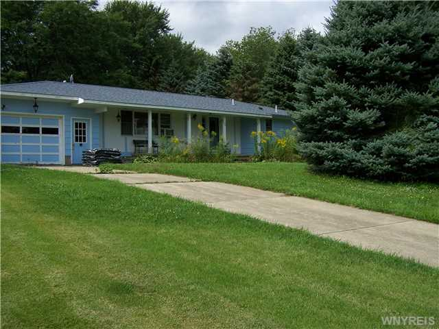 24 Brookside Drive, Java, Wyoming County