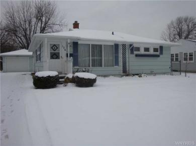126 Mapleview Dr, Amherst, NY 14226
