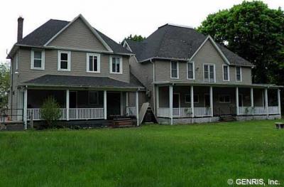 Photo of 90 Saint Johns Park, Rochester, NY 14612