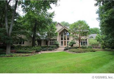Photo of 500 Country Woods Lane, Greece, NY 14626