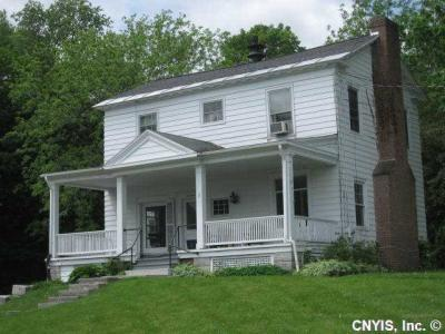 Photo of 17 West Main St, Marcellus, NY 13108