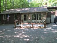 127 Sweet Briar Rd, Pocono Pines, PA 18350