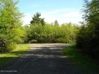 53 Sioux Ct, Long Pond, PA 18334