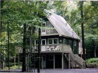 383 Berry Ln, Pocono Lake, PA 18347