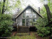 1149 W Emerald Lake Drive, Long Pond, PA 18334