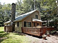6223 Lakeview Dr, Pocono Pines, PA 18350