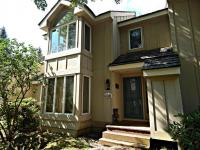 1053 Crestwoods Dr, Pocono Pines, PA 18350