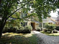 1043 Crestwoods Dr, Pocono Pines, PA 18350