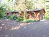 108 Flintlock Trl, Pocono Pines, PA 18350