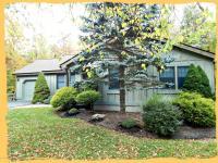 109 Tanglewood Dr, Pocono Pines, PA 18350