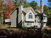 102 Whispering Oaks, Greeley, PA 18425