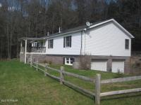 267 Hemlock Grove Rd, Newfoundland, PA 18445