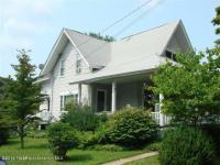 102 South St, Waymart, PA 18472