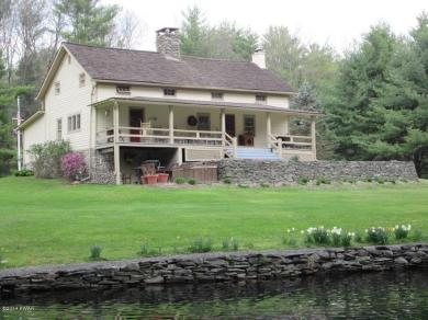 877 Welcome Lake Rd, Hawley, PA 18428
