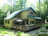 213 Oak Drive, Greentown, PA 18426