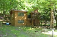 1060 Forest Ct, Lake Ariel, PA 18436