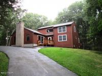 225 Maines Rd, Hawley, PA 18428
