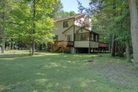 459 Underwood Ln, Lake Ariel, PA 18436