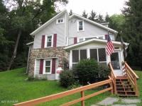 323 Garfield Ave, Hawley, PA 18428