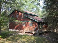 167 Powderhorn Dr, Lackawaxen, PA 18435