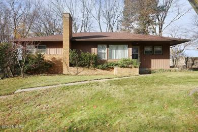 4301 Hunsberger Avenue NE, Grand Rapids, MI 49525